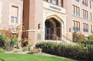 美一州立大学被曝学位造假 与中国多家高校合作--中国年鉴社