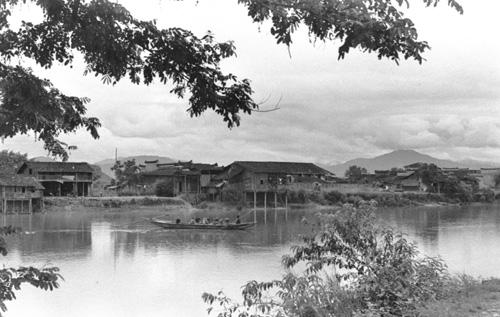 6月17日:中国成功爆炸第一颗氢弹