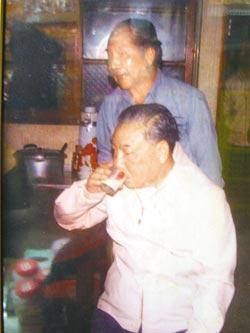 亲家还原真实的蒋经国:生活[ShengHuo]俭朴 行事低调